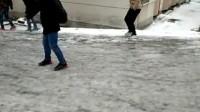 淮北师范大学信息学院下雪后的坡