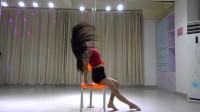 深圳宝安美女椅子钢管舞,性感妩媚  华辰舞蹈学校