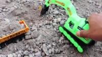 大卡车和好兄弟在不断的往返运输河沙,挖掘机也在努力的干活