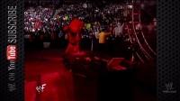 WWE大型红色机器凯恩用他的地狱之火烧着了亲兄弟送葬者150-1 (1)
