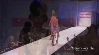 日本时装设计师敦子工藤乳胶时尚秀