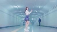 日本美女真有个性, 直接在地下通道跳热舞, 路人好尴尬_标清