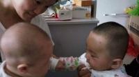 【婧妤小主】,5个多月了,会笑的嘎嘎的。搞笑视频,开心快乐的成长。(易子墨)和小弟弟玩的开心啊
