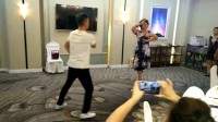 热孜万老师和梵心慧缘帅哥在火炬大厦酒店表演买西来甫惠惠制作