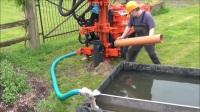 农村建好一个水井,能用几代人,水费一分钱都不用交!
