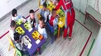 幼儿园吃饭