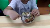 2017年9月6日大峘峘上幼儿园吃饭