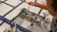 参观机器人大赛,玩人家的模型