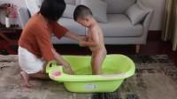 英国小树苗 婴儿沐浴露(有logo)
