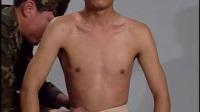 胸背部双三角巾包扎法5