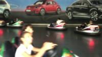 游乐场游人开心玩耍动感刺激碰碰车保险杠车驾驶运行高清实拍视
