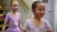 儿童学习芭蕾舞