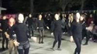青春舞蹈队在冯村演出c哩C哩