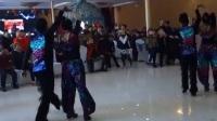 在庆同城好友群七周年庆典上.抚顺在水一方老师.预知未来老师携弟子群芳婵娟共舞激情吉特巴。