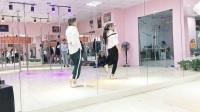 布吉爵士舞培训机构   无基础学钢管舞要多久
