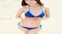 日本女星菅原梨央海边游玩这才叫真正的清纯