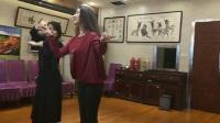 两位美女老师新疆舞