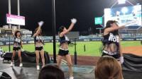 宅男福利-性感美女啦啦队翘臀紧身的热舞  比赛还有人仔细看吗?