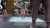 """马来西亚""""狗血""""广告:美女湿身后轻功无敌,可目的的啥,没懂!"""