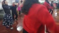 VID_20180新学期开学了,美女们个个都跳得好欢!跳歌庄舞!