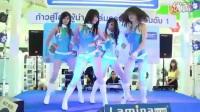 美女�嵛� 曼谷�展辣舞  �n��美女主播直播跳舞