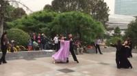 北京市朝阳区酒仙桥公园慢四步交谊舞