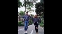 【抖音】抖音魔性踢腿舞,��f�@是菲律�e最火的尬舞,在大街上跳真的不�擂�幔�