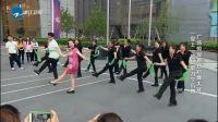 """戴春荣20年后跳""""广场舞"""", 伴唱竟然是赵薇, 真是太可爱了!"""