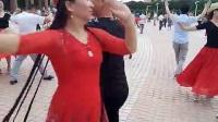 新疆五家渠市邓老师雪莲麦西来普舞蹈队何炜美女与帅哥的表演