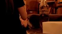 我在帅哥醉酒与辣妹激情 美女被扰失控截取了一段小视频
