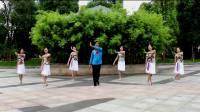 6位江南美女跳广场舞《草原的夜》,节奏感真强,舞姿优美