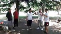 视频: 淄博市大成拳研究协会李雨松师傅指导徒弟小傅和李子城站桩 qq1355996066