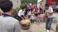 2015年胜坡黄乐安炮敲狮子鼓之一