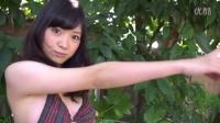 日本清纯写真女星都丸纱也华泳池性感比基尼秀