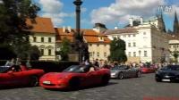 60多超跑布拉格广场巡游。