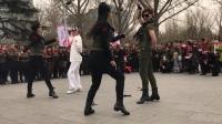 3月22陶然北门第二套水兵舞男女步大反串(羽新+马林 摇摆哥+冰红茶)
