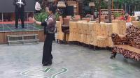 在北京冬冬水兵舞通辽团队一周年年会上表演恰恰舞(张润学录制上传)