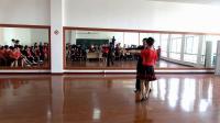 舞蹈三班演出恰恰舞