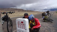 一路欢乐新藏线车队骑行西藏