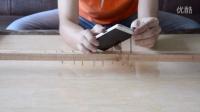 【花样虐机】用手机把钉子锤到木头里你猜手机成啥样?
