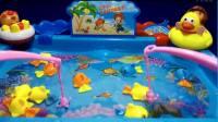 亲子早教动画片 粉红猪小妹和巴克队长钓鱼迪士尼过家家