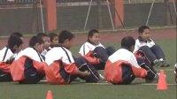 四年级体育《足球传控球练习》课堂实录_课堂实录与教师说课