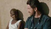《机关枪传教士》预告 巴特勒变非洲救赎者