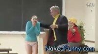 【搞笑】Demonstration with a Surprise! Naked and Funny