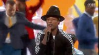 Pharrell Williams在2014奥斯卡颁奖典礼上表演《Happy》