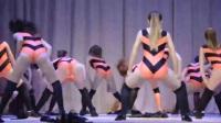 俄罗斯女学生热舞