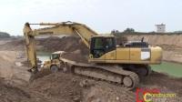 小松PC240长臂挖掘机工作