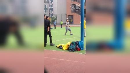 08122014学校偶遇王俊凯